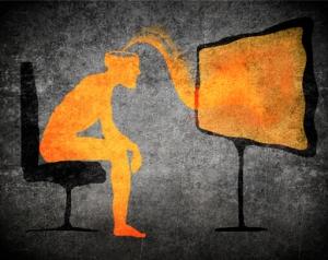 Hombre afectando a su cerebro estando todo el día sentado.