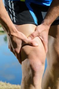 Corredor con problemas de dolor en la rodilla