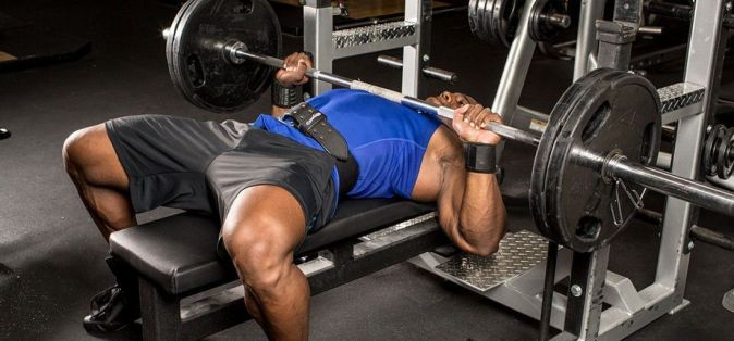 kickass-tips-that-will-help-you-boost-your-bench-press-1400x653-1495515265_1100x513